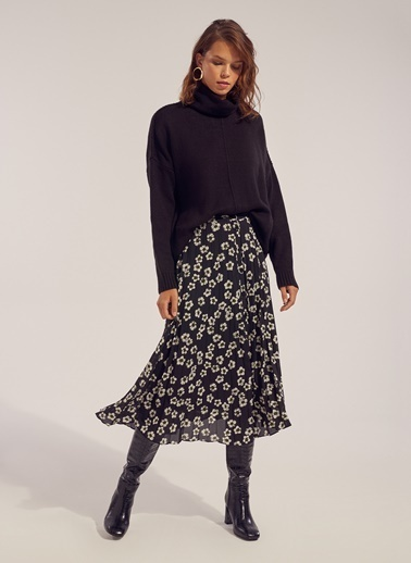 Monamoda Çiçek Desenli Piliseli Şifon Etek Siyah